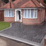 Driveway - Marshalls Cobbletech Original Cobble in Basalt with Marshalls Argent Drivesett border