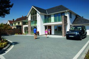 Aura Landscapes, marshalls argent blocks, block paved driveway, award winning driveway, hampshire, dorset